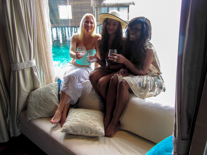 Girls-Trip-Maldives-Jumeirah-Dhevanafushi