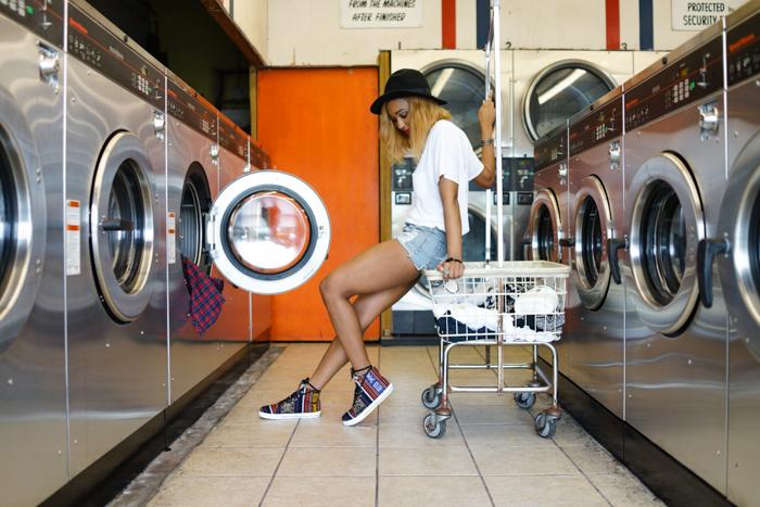 Miami-Fashion-Blogger-Inkkas-Laundromat