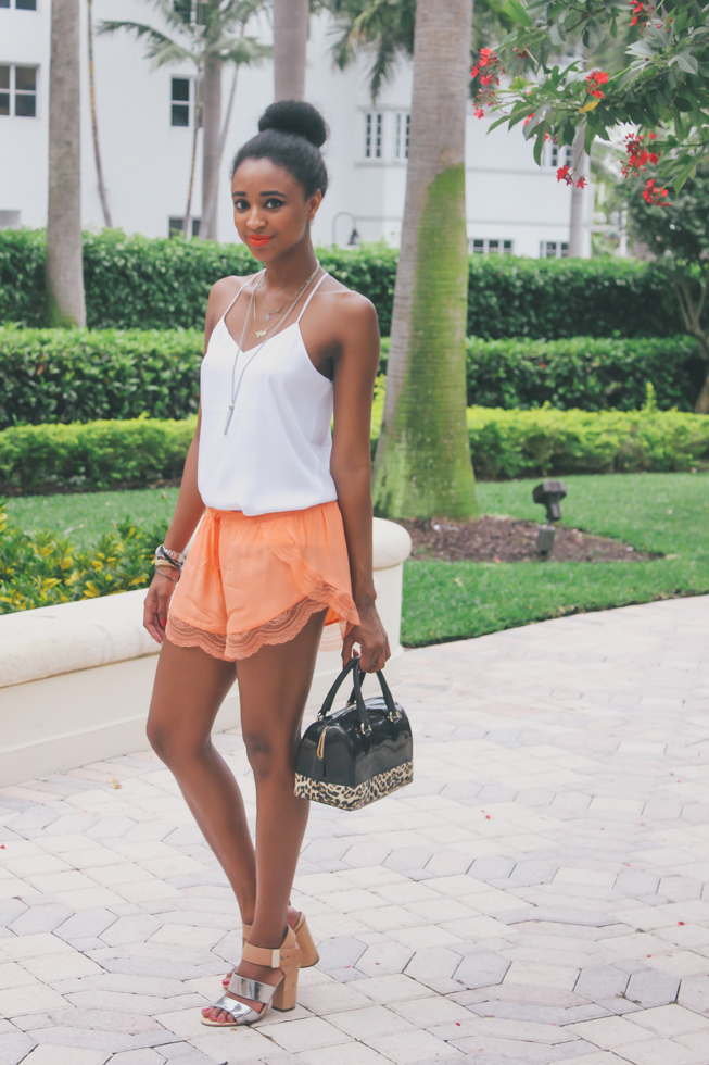 Ria-Michelle-Black-Top-Miami-Fashion-Blog-Furla-Candy-Bag