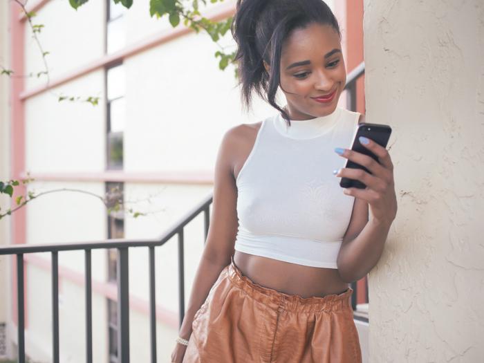 Ria-Michelle-Crop-Top-High-Ponytail-Miami-Fashion-Blogger