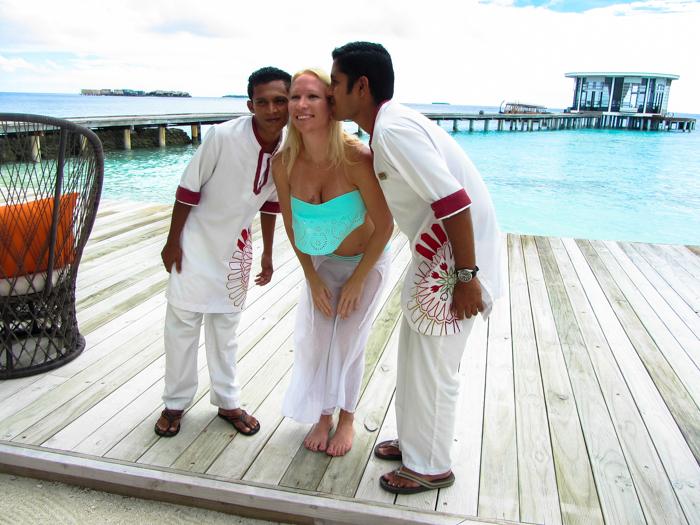 Rihanna-Moment-In-The-Maldives