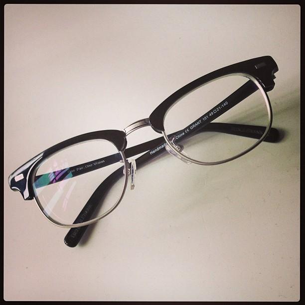 Thredson-Glasses