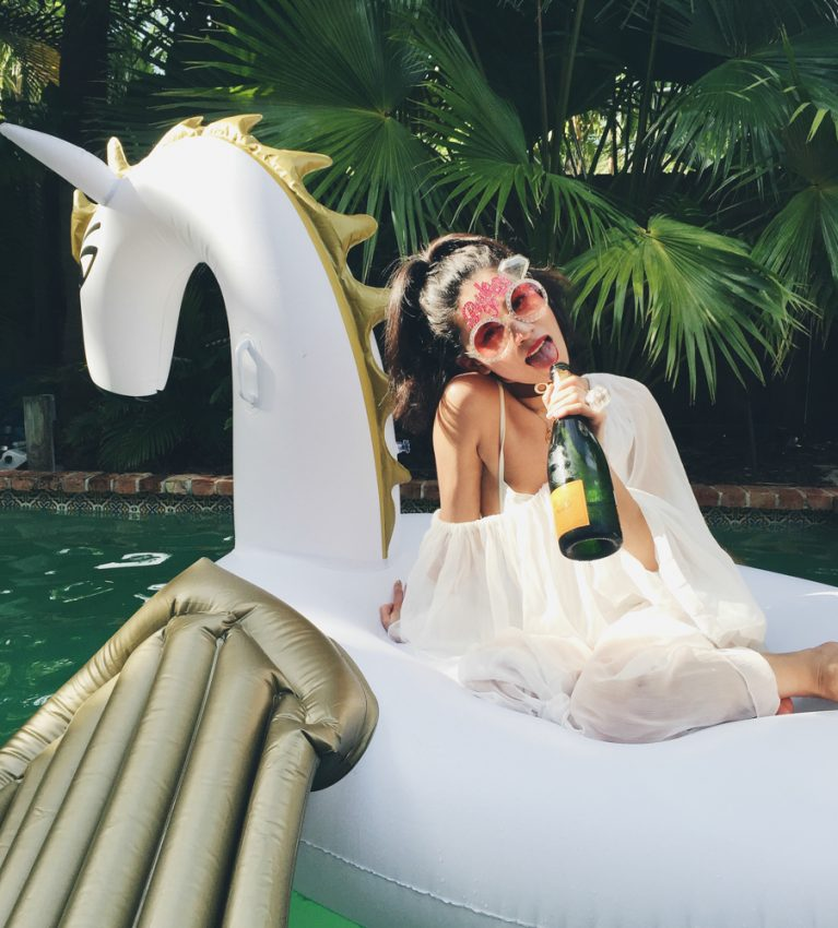 bachelorette-party-unicorn-floatie