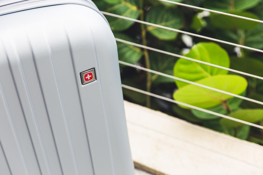 swissgear-logo-suitcase