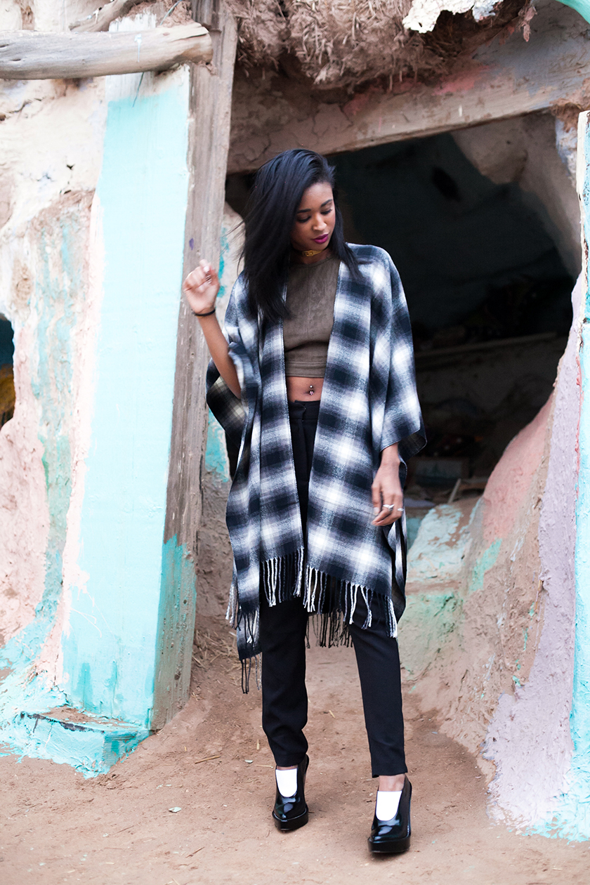 urban-outfitters-poncho